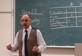 「各国経済・ビジネス事情 in English 2」授業紹介
